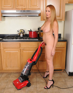 Sexy housewife Elexis Monroe and the vacuum