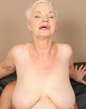 Mature Winnie Anderson takes on this guy's cock after a little brunch