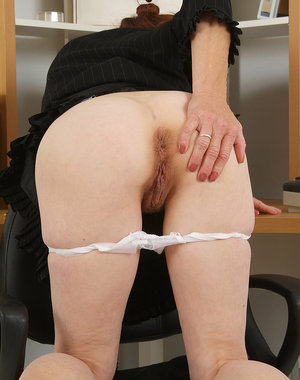 46 year old Monica E from AllOver30 spreads her hairy gash for you