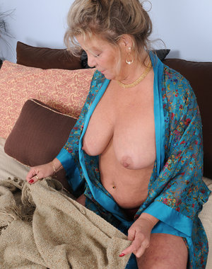 Hot 51 year old housewife Karen Summer making housework look sexy