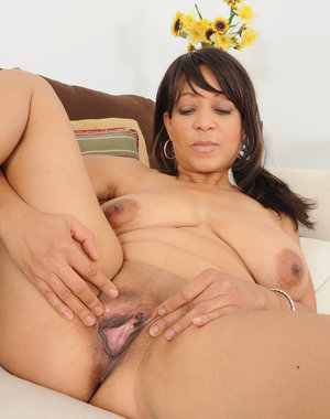 Exotic housewife Lala Bond showing off her awesome 50 year old body