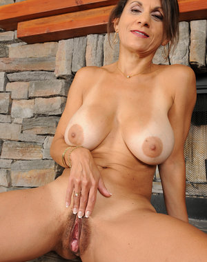 48 year old Tori Baker from AllOver30 showing off her meaty pussy