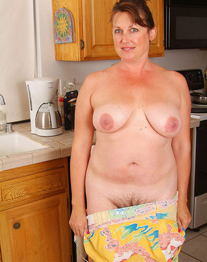 Full bush housewife is as natural as one can be