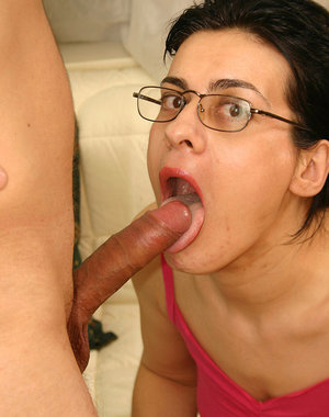 MILF in glasses give a lesson about how to fuck